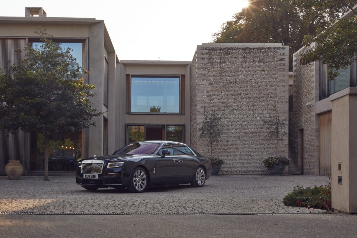Rolls-Royce Ghost review - spirited away in the lap of luxury