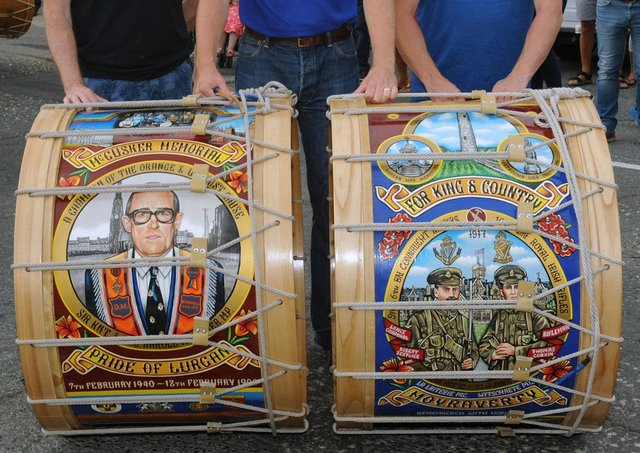 The Lambeg drum (left) is the McCusker Memorial – The Pride of Lurgan in memory of the late Harold McCusker MP, while the drum on the right is in memory of Robert Serplice and Thomas Robert Corkin, two relatives who both died in the Battle of Messines in June 1917