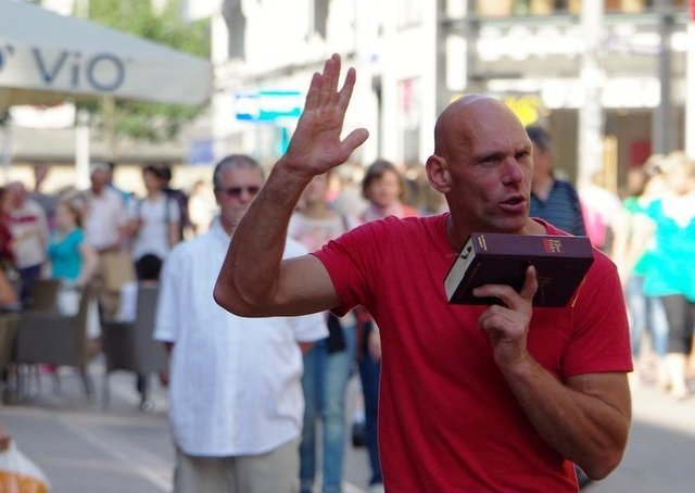 'Hamburg Famous Street Preacher' by Mark Nieno (licensed under CC BY-ND 2.0)