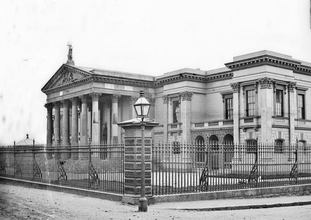 Crumlin Road Courthouse, Belfast. NLI Ref: STP_0433. Picture: National Library of Ireland