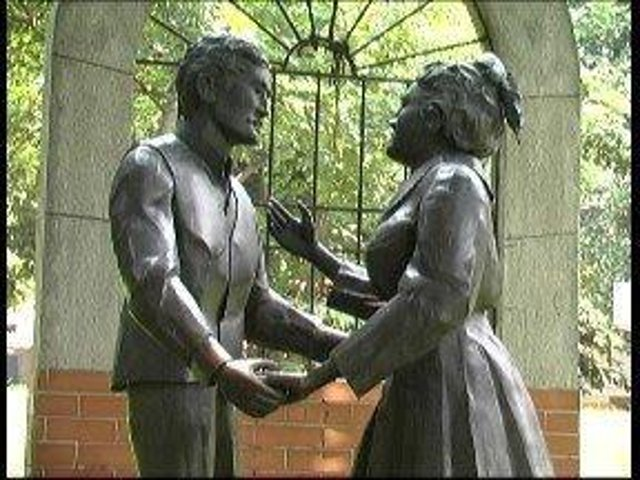 A statue in Manilla portraying Josephine's farewell to her husband.