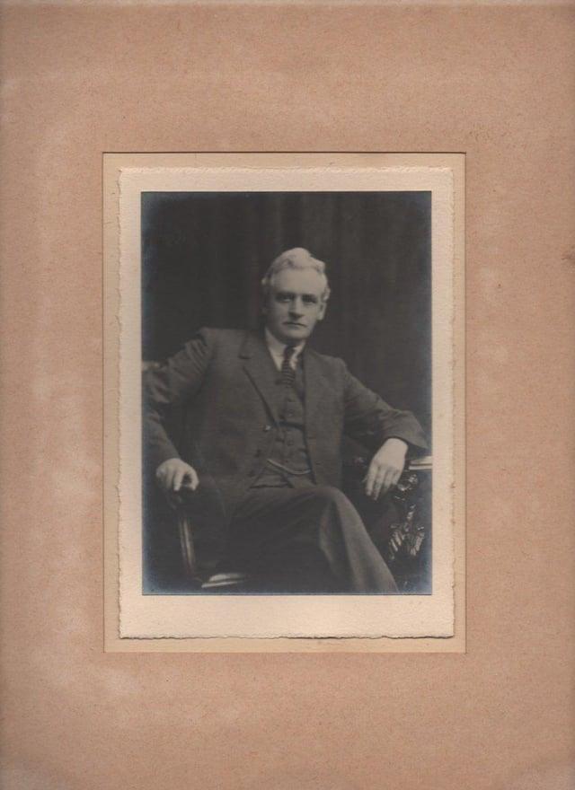 Former school principal and Belfast evacuee, David Orr