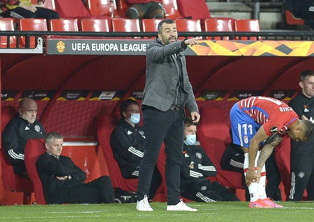 Granada's Spanish coach Diego Martinez . (Photo by CRISTINA QUICLER / AFP) (Photo by CRISTINA QUICLER/AFP via Getty Images)