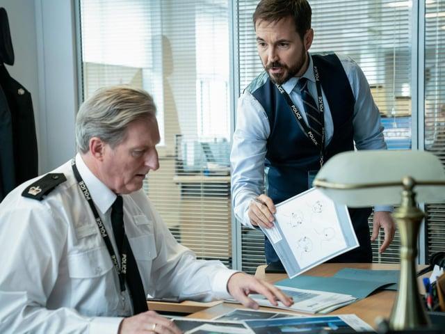 Superintendent Ted Hastings (Adrian Dunbar) and DI Steve Arnott (Martin Compston)