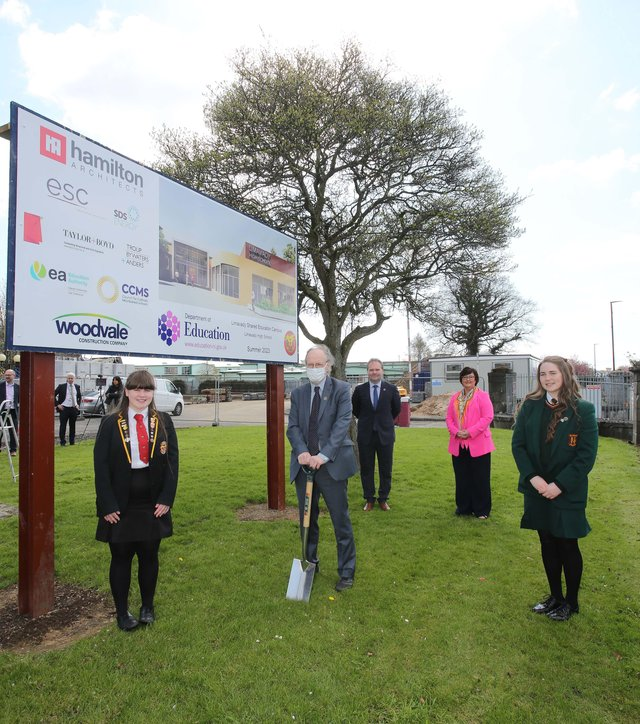 Education Minister Peter Weir visiting Limavady Shared Education Campus to cut the first sod on the new £11 million scheme. Included are students Leah Craig and Clara Clements and principals Rita Moore, St. Mary's, and Darren Mornin, Limavady High School.