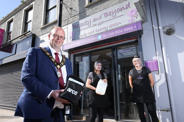 Mayor, Cllr Jim Montgomery delivers a Covid Pack to Beauty and Beyond, Ballyclare