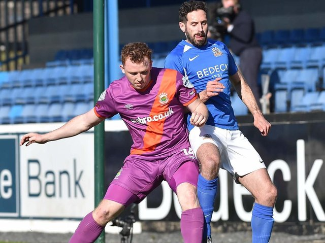 Action from Linfield's visit to face Glenavon at Mourneview Park