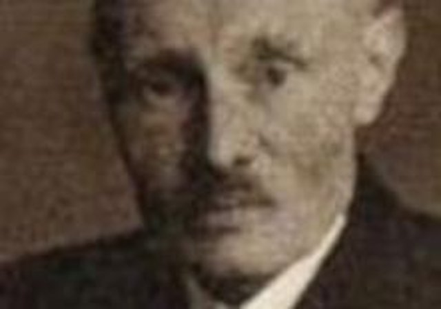 The publication in 1922 of 'The History of the 36th (Ulster) Division' opened the door for Cyril Falls to enjoy a career as military historian, author and correspondent