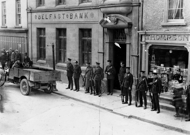 """""""B"""" Specials on duty at a Belfast Bank in Strabane. Catalogue number: HOYFM.BT.1304. Belfast Telegraph, © National Museums NI, Ulster Folk Museum Collection"""
