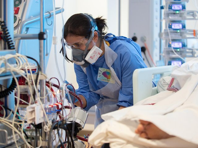 There are currently seven people in Northern Ireland with Covid-19 in an intensive care unit.