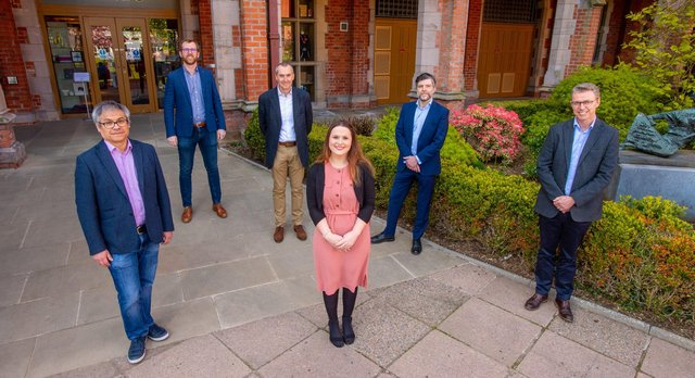 Professor Reinhold Medina, Dr Christina O'Neill, Professor Alan Stitt of VascVersa, Investment Manager at Clarendon Fund Managers Stuart Gaffikin, Head of Spin-Outs and Investments at QUBIS David Moore, CEO of QUBIS Brian McCaul
