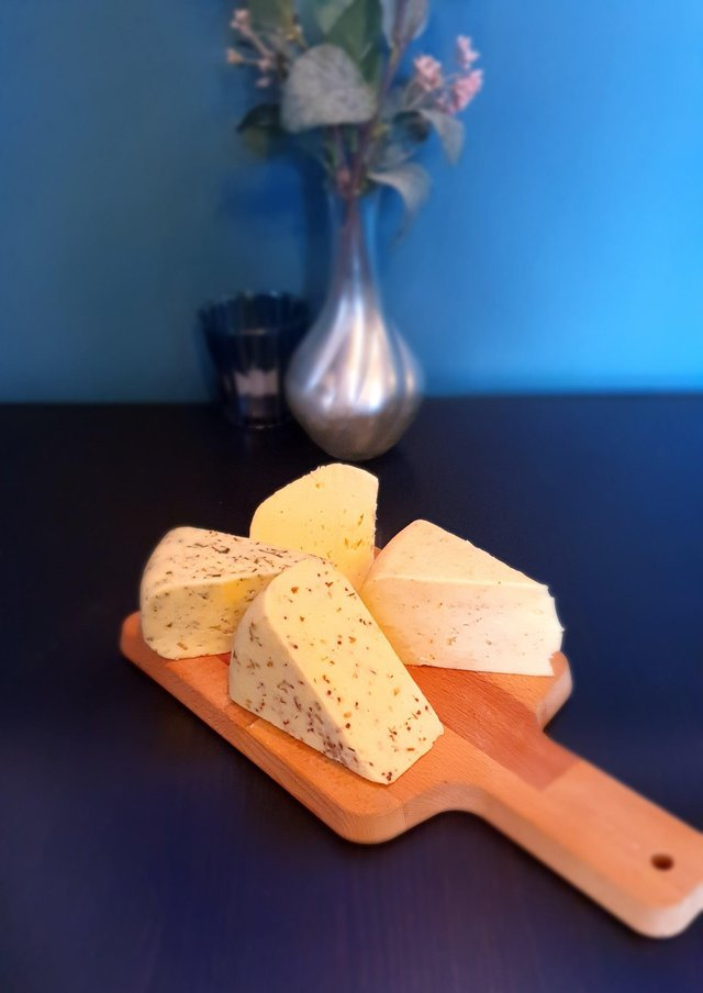 Carrickfergus Cheese Company makes traditional Gouda and Edam cheeses