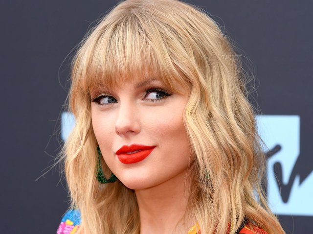 The 31 year-old singer songwriter is rumoured to be in Northern Ireland with her boyfriend Joe Alwyn.