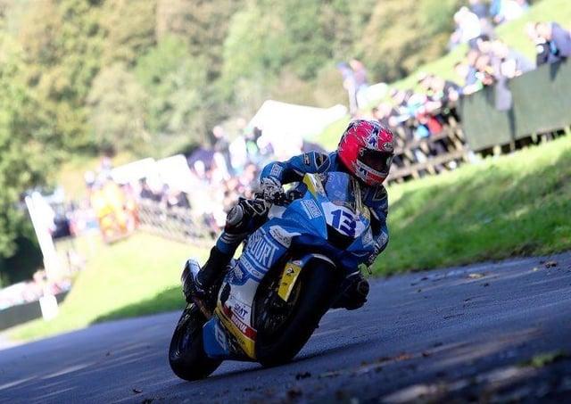 Lee Johnston at Oliver's Mount on his Ashcourt Racing Yamaha.