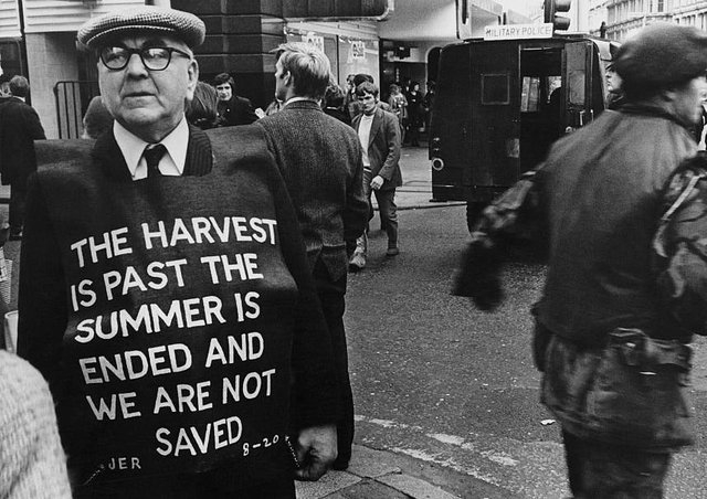 An open air preacher in Northern Ireland. (Photo by Keystone/Hulton Archive/Getty Images)