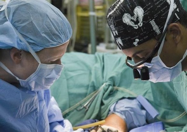 Surgery. (U.S. Army photo by Maria Pinel)