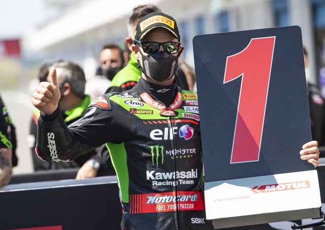 Jonathan Rea won twice at Estoril in Portugal to extend his lead in the World Superbike Championship.