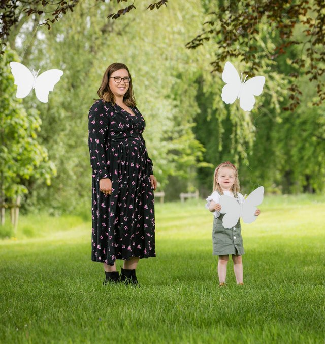 Pictured announcing the new policy is Denise White-Hughes, Head of Employee Relations for Lidl Ireland and Lidl Northern Ireland with daughter Elise
