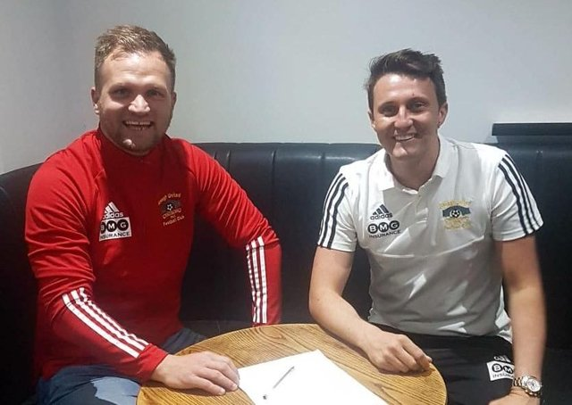 Ryan Harpur (left) has signed a two-year deal to join Annagh United. Also included is Annagh boss Ciaran McGurgan. Pic courtesy of Annagh United FC.