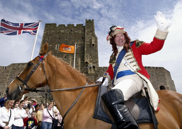 Carrickfergus re-enacted one of history's great occasions in 2002 when the town celebrated the 312th anniversary of the landing of King William III.