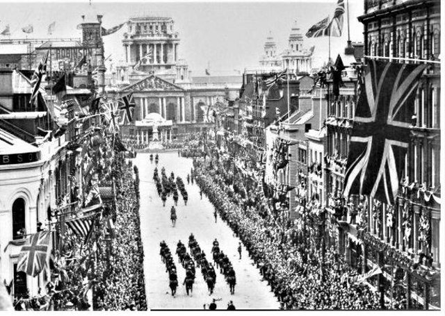 Huge crowds gathered to greet King George V in Belfast in 1921 (NATIONAL MUSEUMS NI, ULSTER MUSEUM COLLECTION)